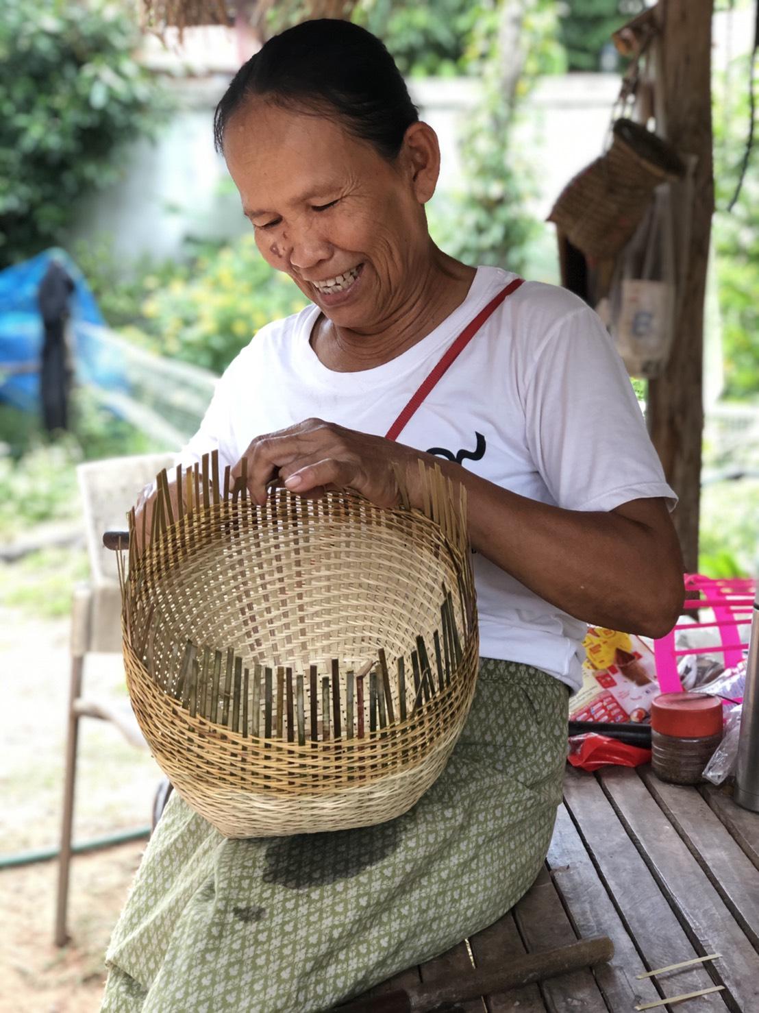 มองทั่วทิศเมืองไทย : ทำเครื่องจักสานขายรายได้งาม